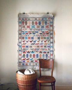 Hang Rug Wall 2 240x300 - 10 Mẹo Thiết Kế Phòng Khách Đẹp