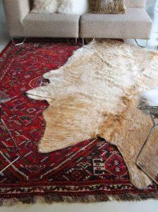 Layer Rugs 3 224x300 - 10 Mẹo Thiết Kế Phòng Khách Đẹp