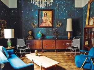 eclectic interior design living room blue walls furniture the difference between modern and kukun 1 300x225 - THIẾT KẾ NỘI THẤT THEO PHONG CÁCH CHIẾT TRUNG