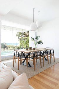 002 residence broadbeach donna guyler design 200x300 - BIỆT THỰ NHÌN RA BIỂN ĐẸP NHƯ MƠ