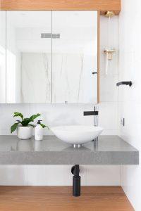 003 residence broadbeach donna guyler design 200x300 - BIỆT THỰ NHÌN RA BIỂN ĐẸP NHƯ MƠ