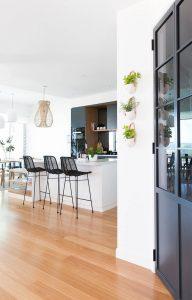 010 residence broadbeach donna guyler design 192x300 - BIỆT THỰ NHÌN RA BIỂN ĐẸP NHƯ MƠ