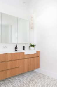 034 residence broadbeach donna guyler design 195x300 - BIỆT THỰ NHÌN RA BIỂN ĐẸP NHƯ MƠ