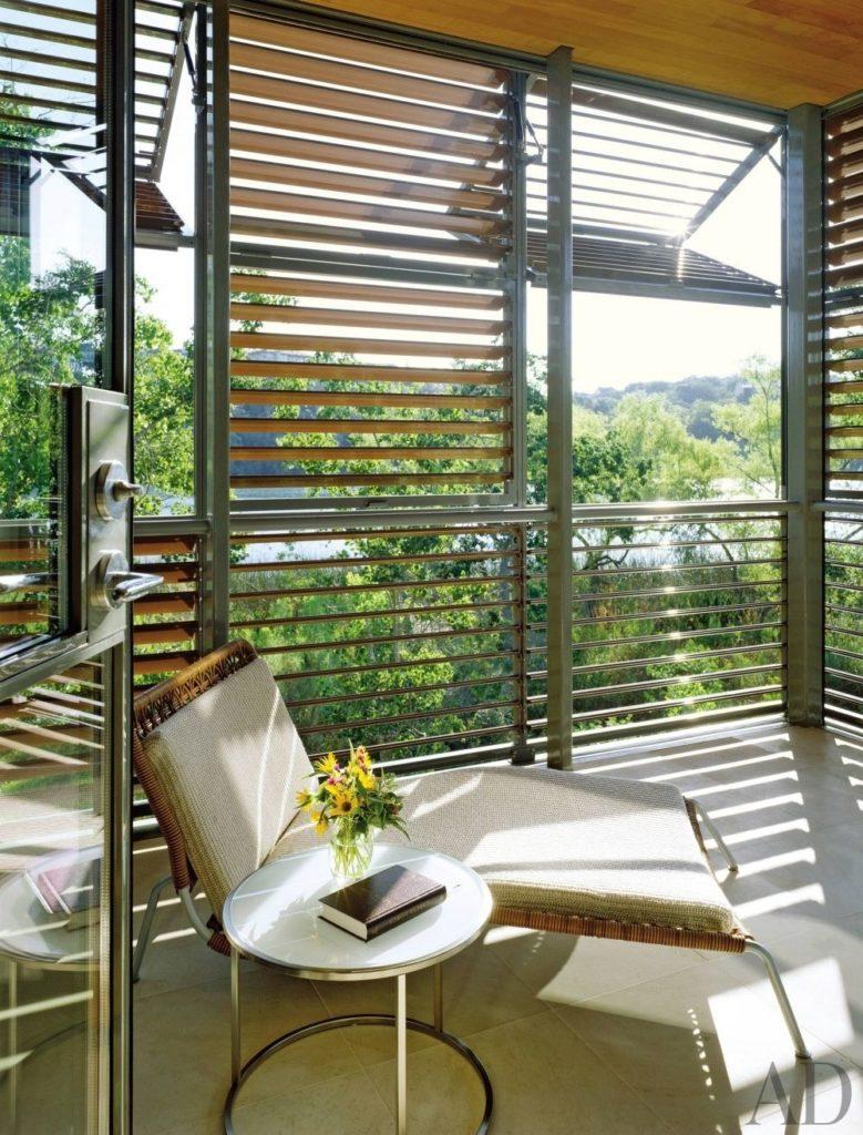 balcony idea 12 779x1024 - 14 Ý TƯỞNG VÀ CẢM HỨNG CHO BAN CÔNG CĂN HỘ