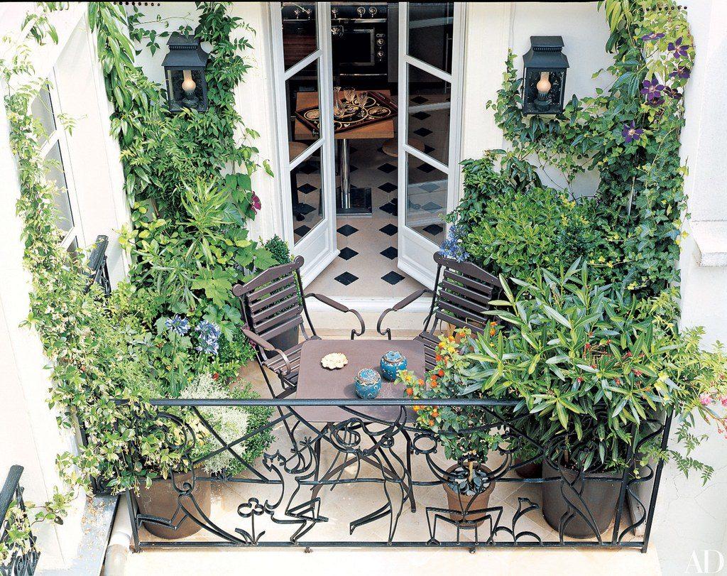 balcony idea 3 1024x811 - 14 Ý TƯỞNG VÀ CẢM HỨNG CHO BAN CÔNG CĂN HỘ