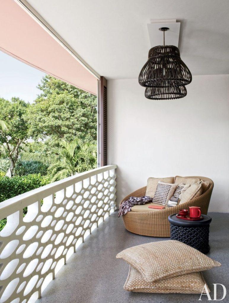balcony idea 7 773x1024 - 14 Ý TƯỞNG VÀ CẢM HỨNG CHO BAN CÔNG CĂN HỘ