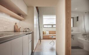 Tối đa không gian trong căn hộ nhỏ bé 22m2 2 300x185 - TỐI ƯU KHÔNG GIAN TRONG CĂN HỘ NHỎ BÉ - 22M2